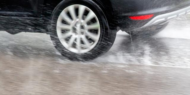 Safe Driving In Heavy Rain, Floods and High Winds